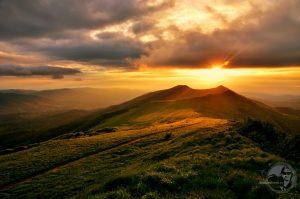 Zachód słońca nad Połonina Wetlińską